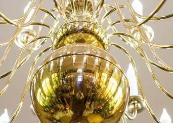 duży złoty żyrandol 5