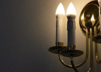 kinkiet białe świeczki